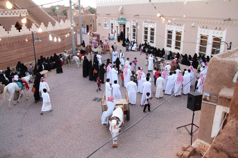 صورة استمرار فعاليات مهرجان القرية التراثية
