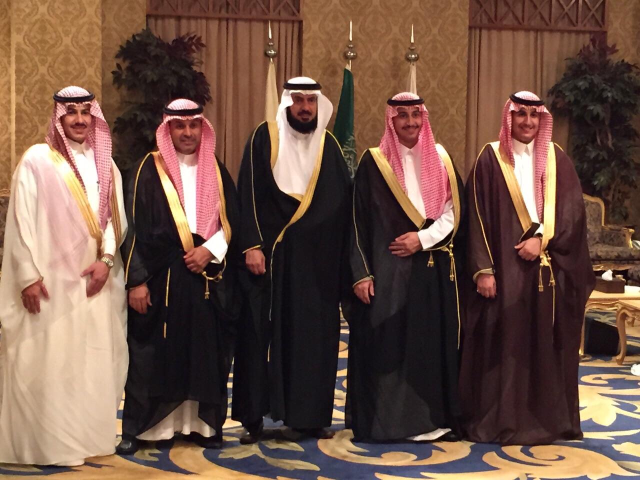 صورة العبداللطيف يحتفل بزواج ابنته من الشاب عبدالمجيد الراشد