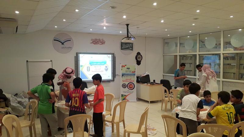 صورة دورة فنون خزفية ومعدنية في نادي الحي بأشيقر