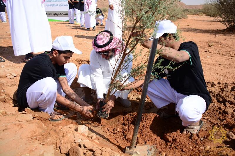 صورة بلدية أشيقر والمجلس البلدي ينظمان حملة تشجير منتزه الرايغه