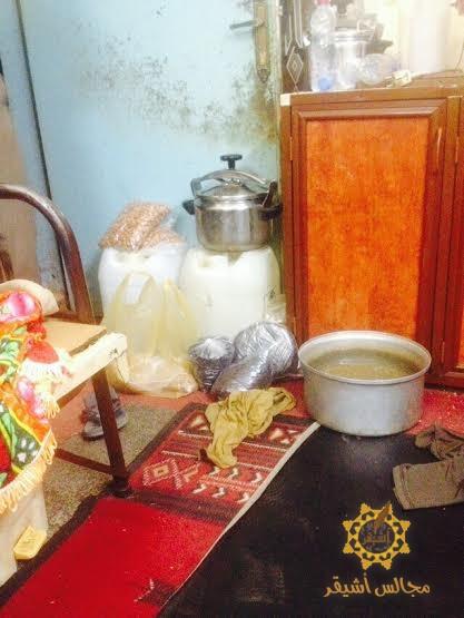 صورة مخفر أشيقر يضبط مصنع خمور أداره هندي داخل مزرعة مكفوله