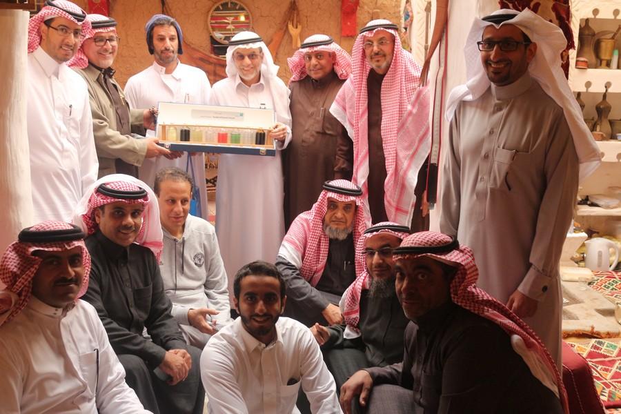 صورة وفد من شركة ارامكو السعودية يزور القرية التراثية