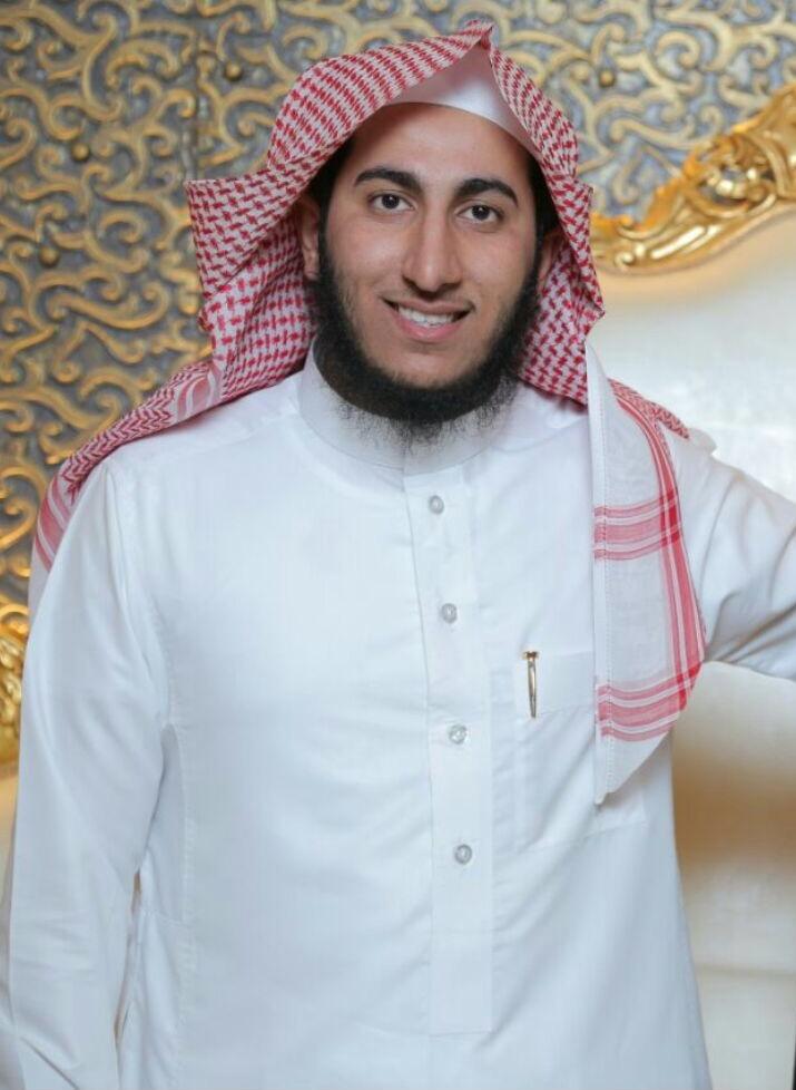 صورة رائد أباحسين يحصل على درجة الماجستير