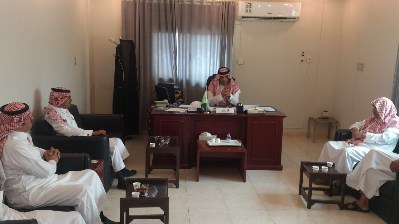 صورة زيارة رئيس وأعضاء مجلس إدارة لجنة التنمية الاجتماعية الاهليه بأشيقر لرئيس مركز أشيقر