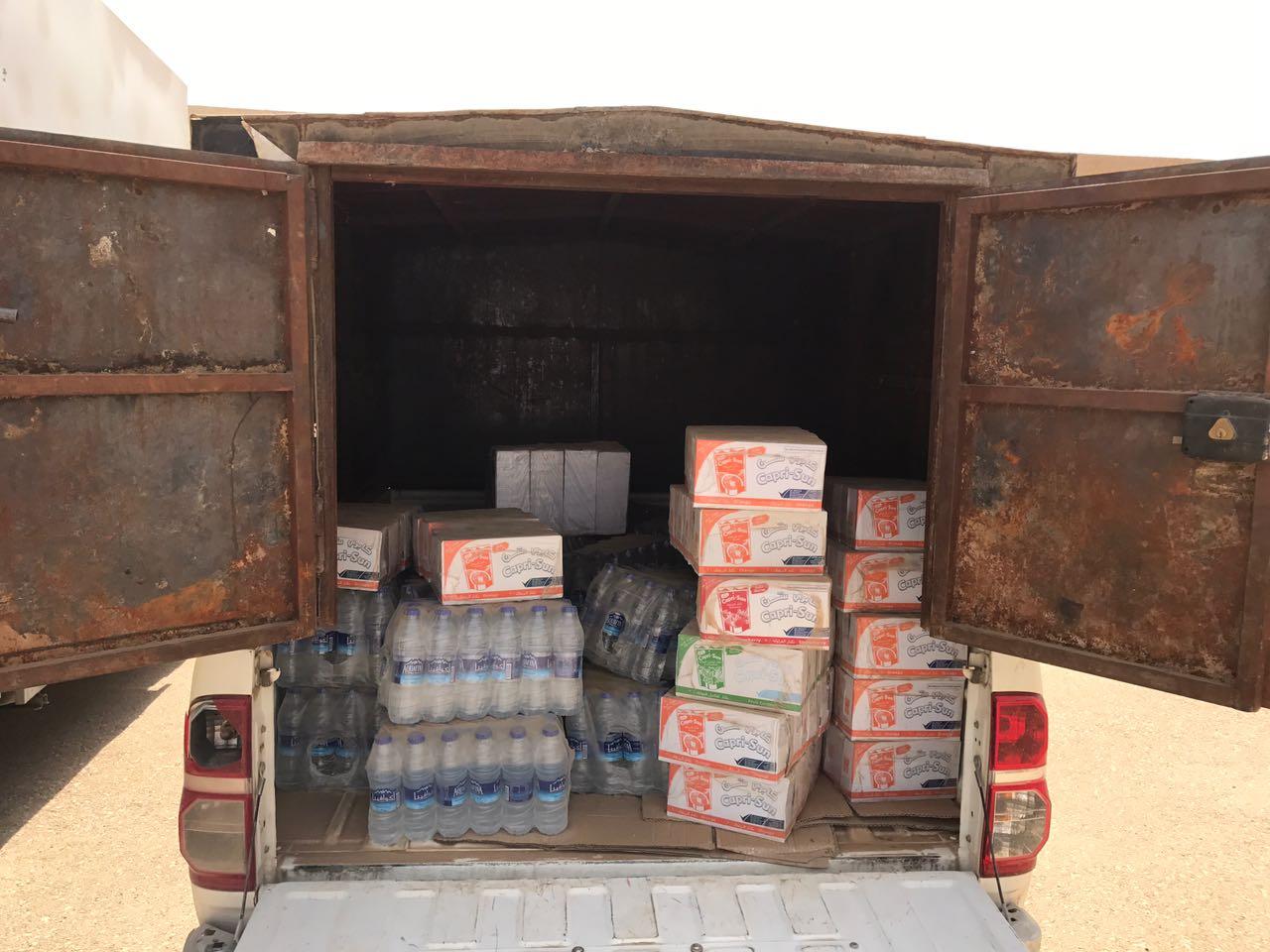 صورة بلدية أشيقر تضبط مركبتين ومستودع للمواد الغذائية لعدم مطابقتهم للمواصفات