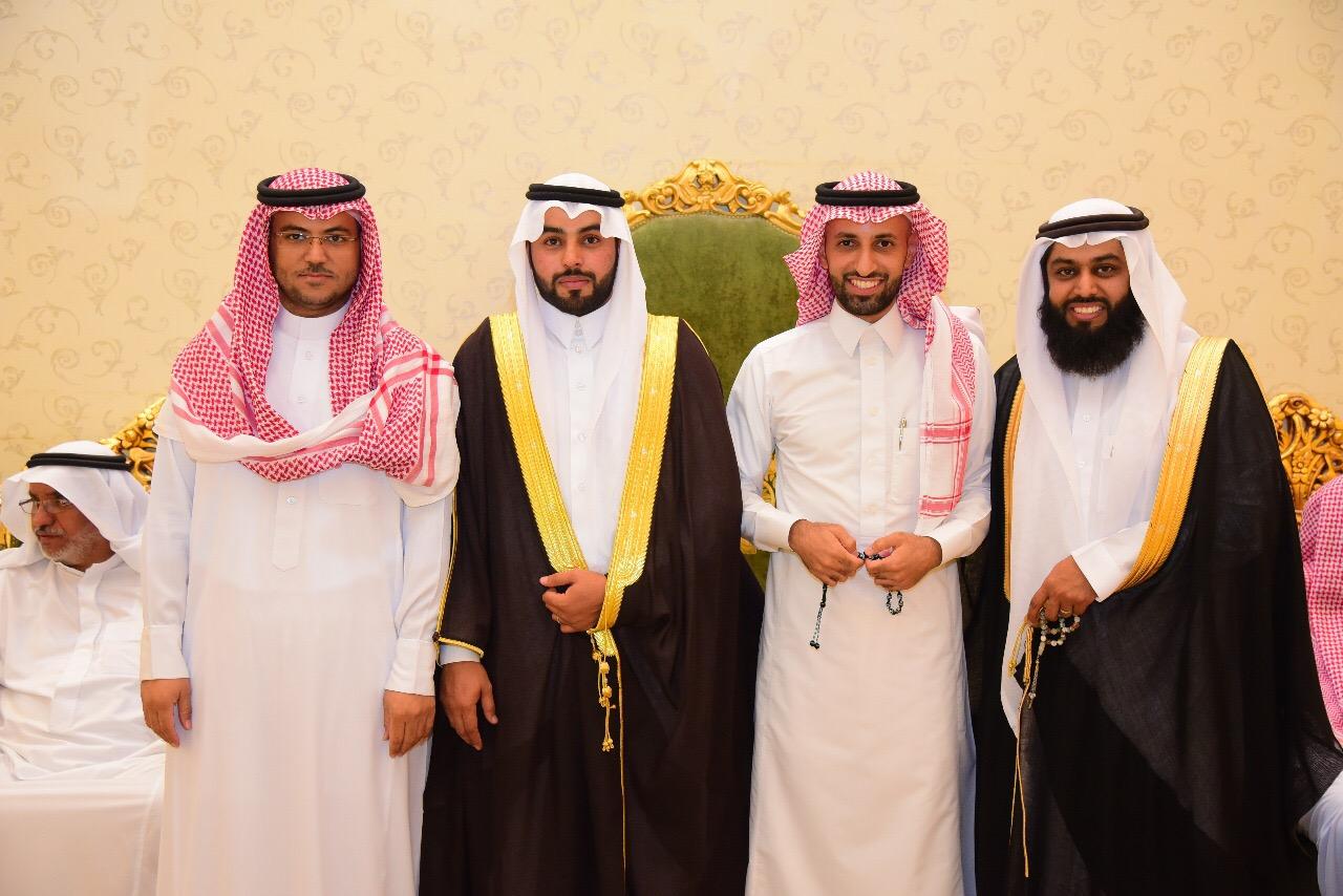 صورة الشاب عبدالرحمن بن إبراهيم الشنيبر يحتفل بزواجه