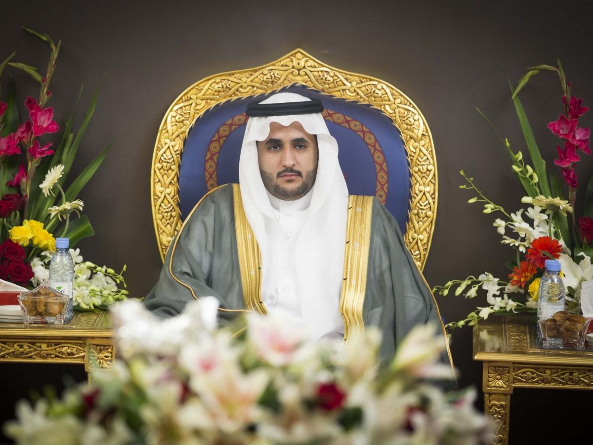صورة الشاب بدر المسند يحتفل بزواجه على كريمة عبدالله السبيّل