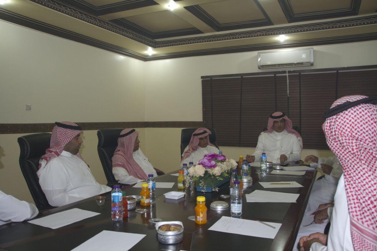صورة الاجتماع الأول للجنة التنفيذية للإحتفالات بأشيقر