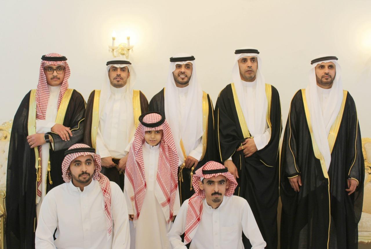 صورة الشاب/عبدالعزيز حمد العبدالوهاب يحتفل بزواجه