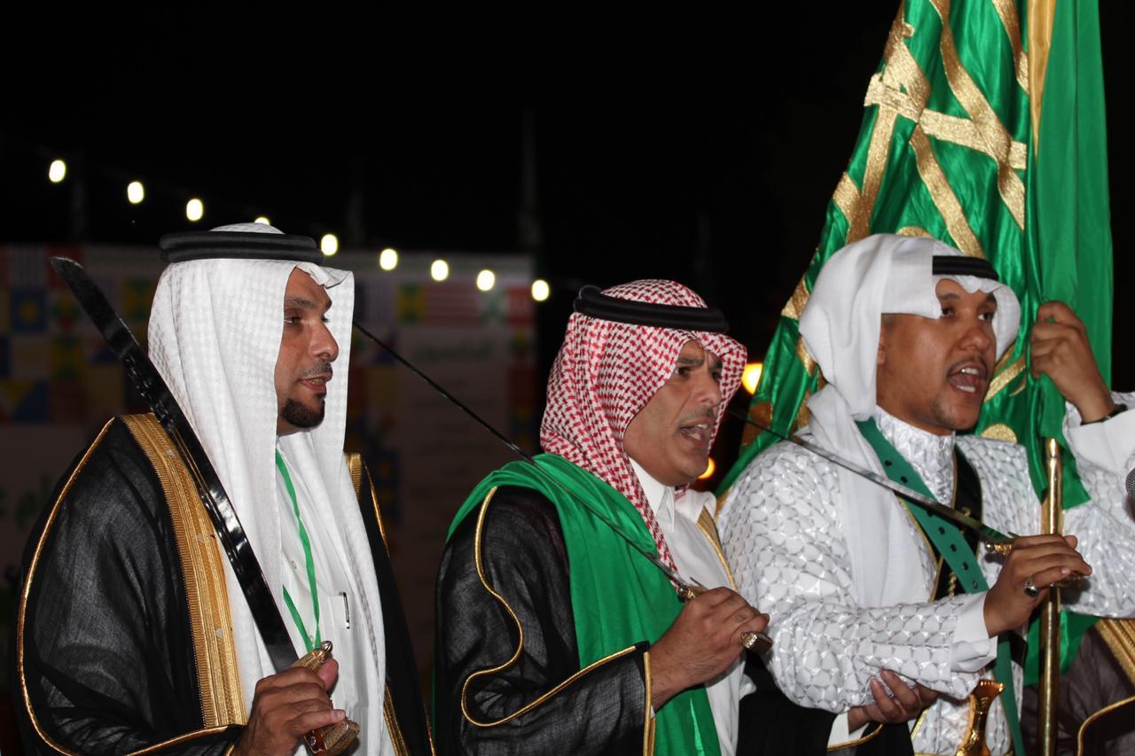 صورة أشيقر تحتفل باليوم الوطني الـ 89 بالمسيرة الوطنية والعرضة السعودية