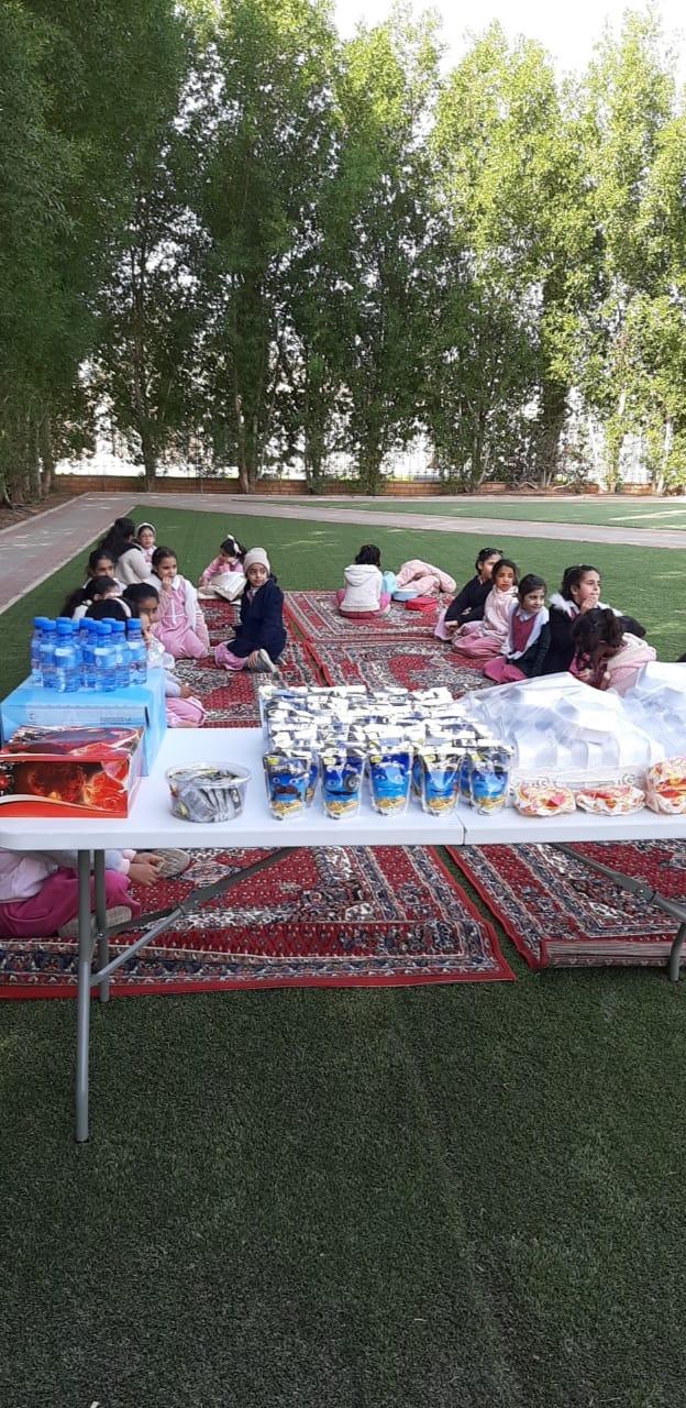 صورة ابتدائية أشيقر للبنات في زيارة للحديقة النسائية بأشيقر