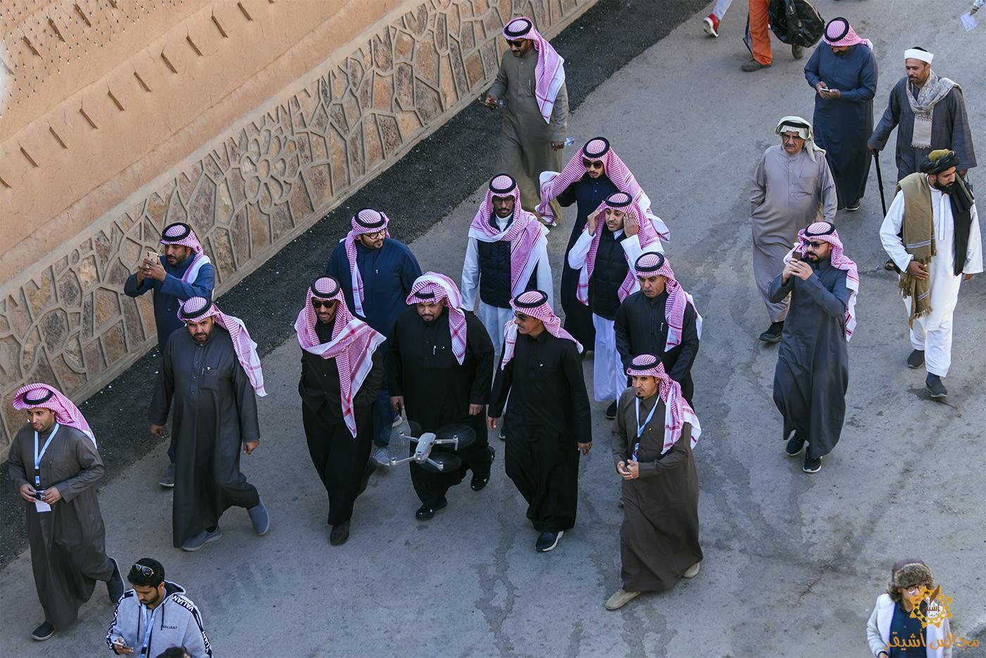 صورة ناصر السيحاني ضيف ربيع أشيقر ، واليوم الرابع يشهد إقبالاً كبيراً